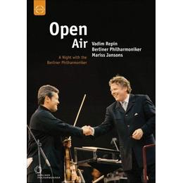 A Night With The Berliner Philharmoniker (Recorded Live At The Waldbuhne Berlin June 2002) [DVD]